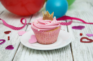 shutterstock_395268697_cupcake